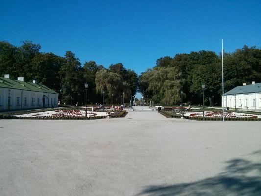 Końskie, Nowa fontanna przy zespole pałacowym 2014 09 05 by Jacmu