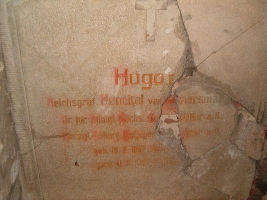 Nauzoleum w krowiarkach - Hugo II