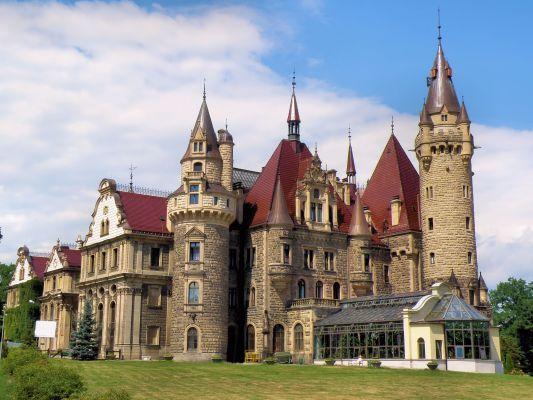 Zamek w Mosznej ładny