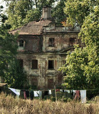Parchów --Ruina pałacu (zetem) 01