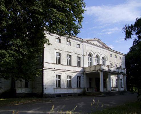 2008 08060204 - Rakoniewice - zespół pałacowy - pałac z 1830 r