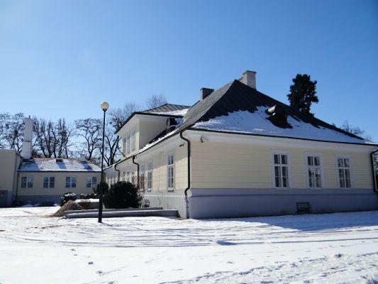 160313 Palace in Sochaczew Czerwonka - 03