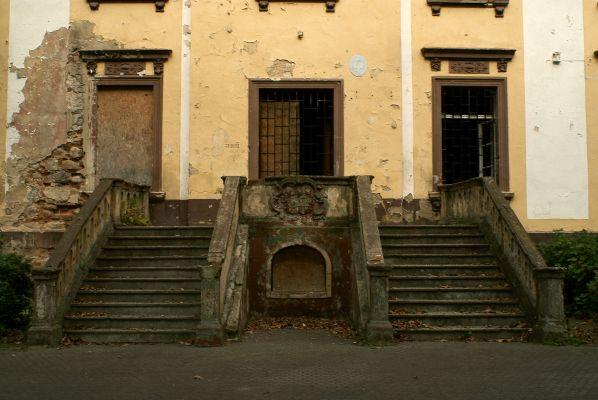 Sucha Górna -- Wejście do pałacu