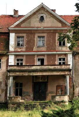 Świnino --Pałac- wejście (zetem)