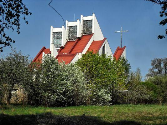 Widok kościoła od strony ulicy Słonecznej