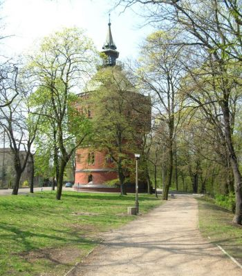Park Henryka Dabrowskiego wieża 2005