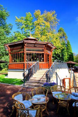 Letnia kawiarenka w Parku Zdrojowym