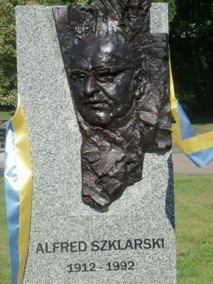 Katowice - pomnik Alfred Szklarski