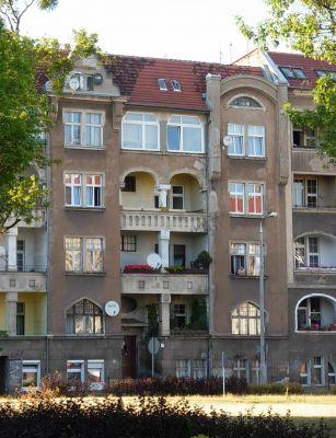Plac Weyssenhoffa 5 - kamienica