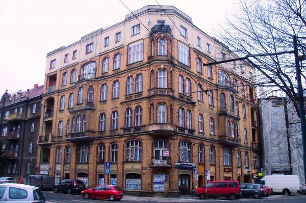 Katowice - róg ulicy Sądowej i placu Wolności
