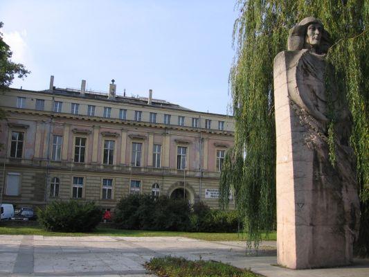 Wroclaw ulWierzbowa pomnikKopernika