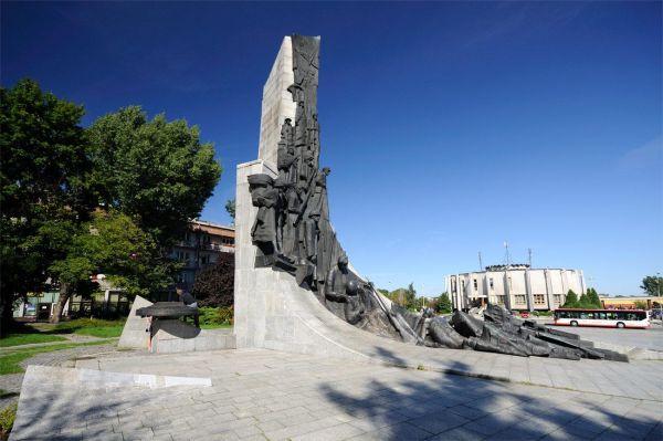 Częstochowa, Pomnik Poległym W Obronie Ojczyzny 1939-1945 - fotopolska.eu (245592)