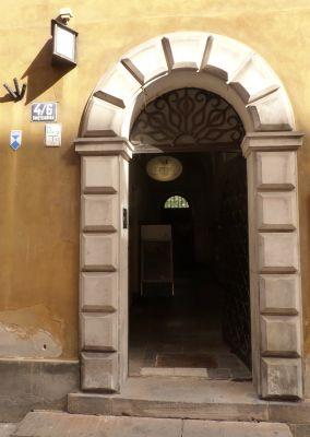 Kamienica Świętojańska 4 wejście