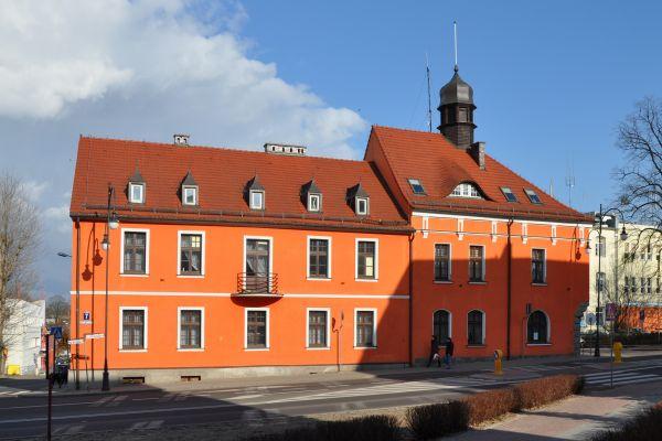 Trzcianka Town Hall west 2011-03
