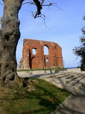 Trzęsacz, ruiny kościoła