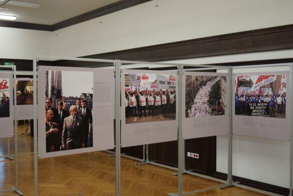 Stocznia gdanska 20 11 2013 012 Wystawa w sali BHP