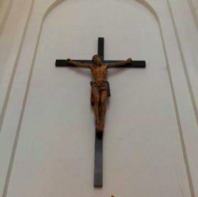 Zabytkowy krucyfiks z kościoła MBŁ 2