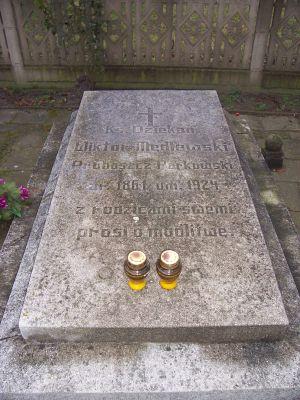 Wiktor Mędlewski-grave
