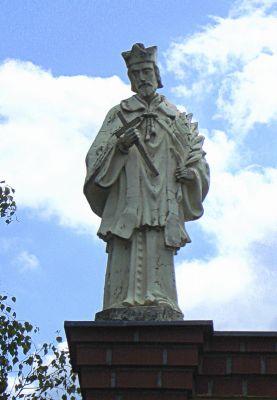 Rokitno, figura świętego Jana Nepomucena