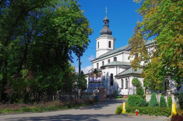 Kościół parafialny p.w. Narodzenia NMP i św. Antoniego Padewskiego w Dąbrowie Górniczej (kubos16)182