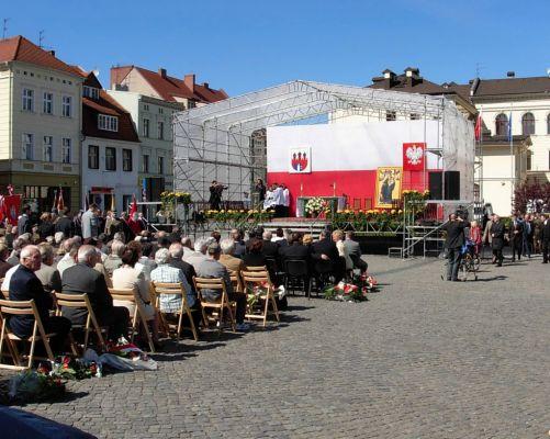 Stary Rynek - uroczystości 3 Maja