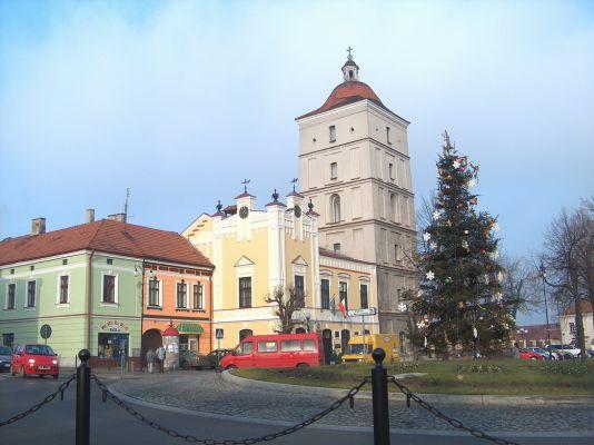 Leżajsk, wieża zegarowa i ratusz