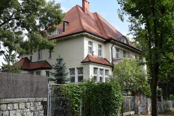 Willa, Legnica ul. Konopnickiej 2 (II)