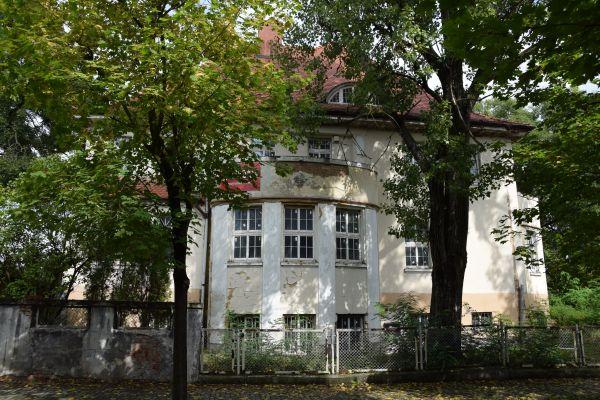 Willa, Legnica ul. Konopnickiej 2 (V)