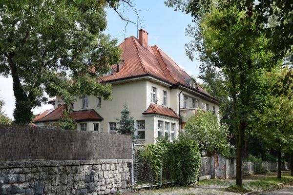 Willa, Legnica ul. Konopnickiej 2 (I)