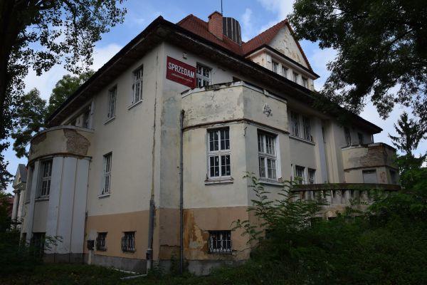 Willa, Legnica ul. Konopnickiej 2 (IX)