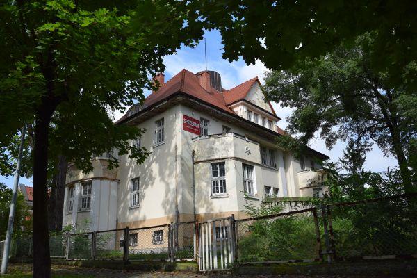 Willa, Legnica ul. Konopnickiej 2 (VI)