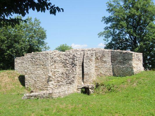 Zamek biskupów krakowskich w Sławkowie
