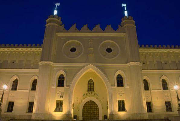 Zamek w Lublinie - front noc 19.07.2010 800px