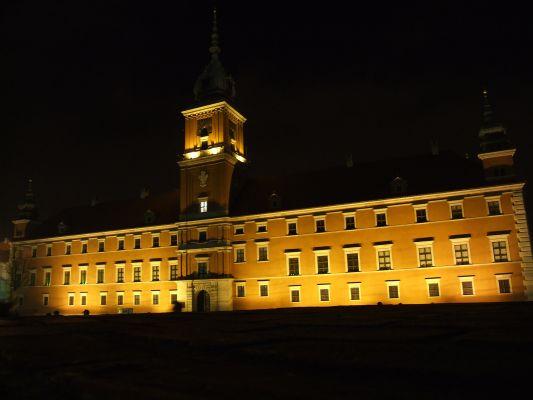 Zamek Królewski w Warszawie nocą