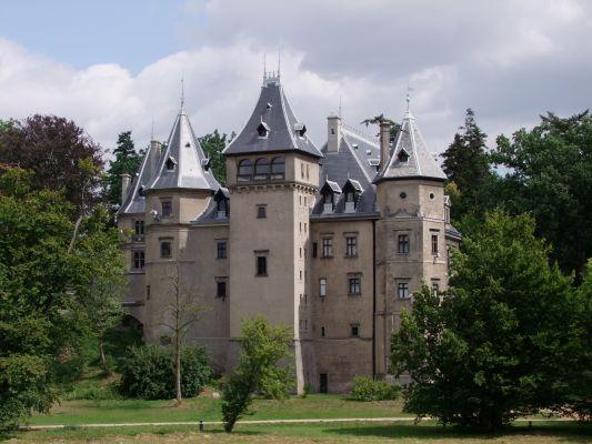 2008 08050029 - Gołuchów - zespół zamkowy - zamek