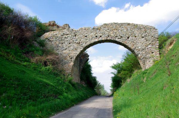 Ruiny zamku w Ossolinie 20140427 2275