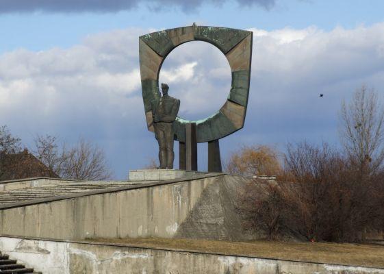 Zdzieszowice - pomnik powstańca