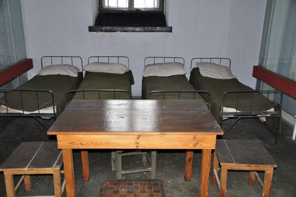 Jedna z cel w X pawilonie więzienia w warszawskiej cytadelo