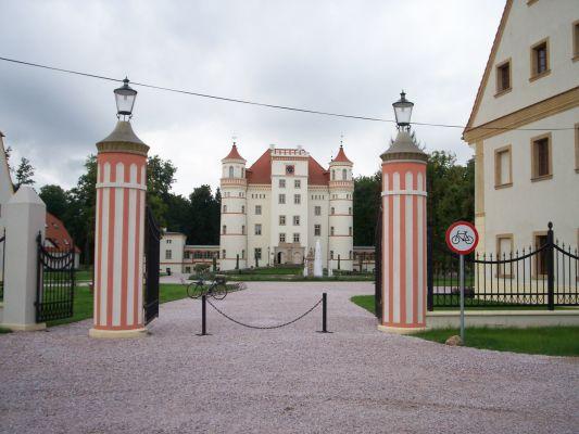 Wojanów, pałac