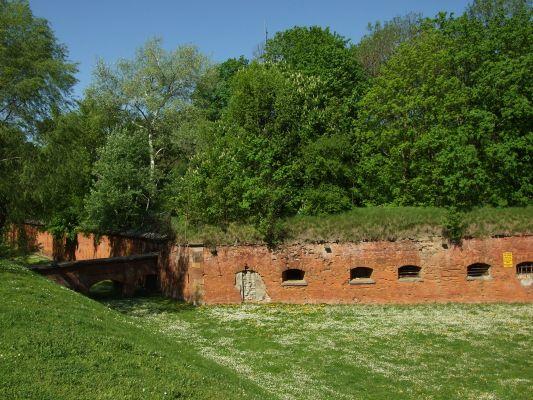 Mury warszawskiej cytadeli