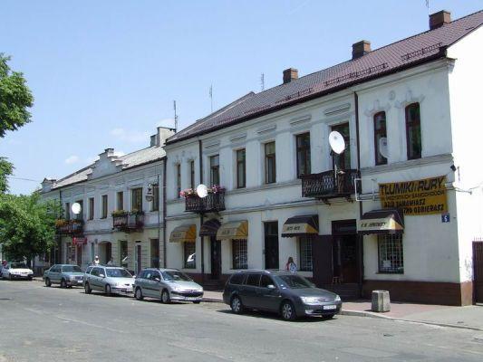 Kamieniczki przy Rynku w Górze Kalwarii