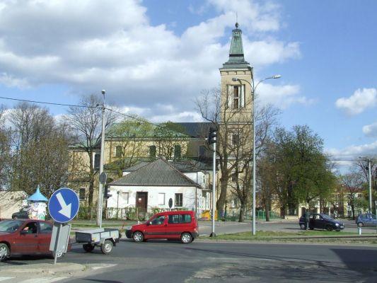 Kościół i budynek dawnego przytułku dla ubogich z XVIIIw. w Radzyminie