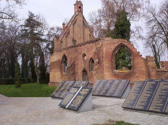 Chojna - ruiny kaplicy św. Gertrudy