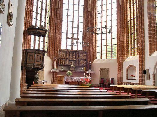 Kołbacz - prezbiterium w kościele