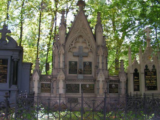 Grobowiec Rodziny Novotnych - Mater Dolorosa Bytom