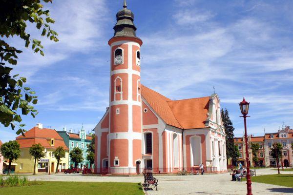 Chocianów - kościół w rynku