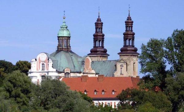 Dawne Opactwo Cystersów powstałe w 1175 w Lądzie