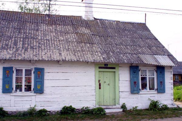 Drewniana chata w Liwie