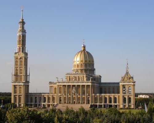 Bazylika w Licheniu Starym - największy kościół w Polsce