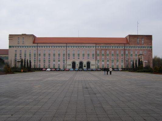 Piła, dawna siedziba władz Marchii, obecnie Szkoła Policji